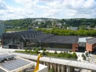 Le 57 Métal est l'ancien centre de communication de Renault, il s'étire le long du quai Georges-Gorse à Boulogne-Billancourt.