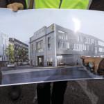 Le nouveau lycée, place nationale à Boulogne-Billancourt, intègre la façade de l'usine Renault.